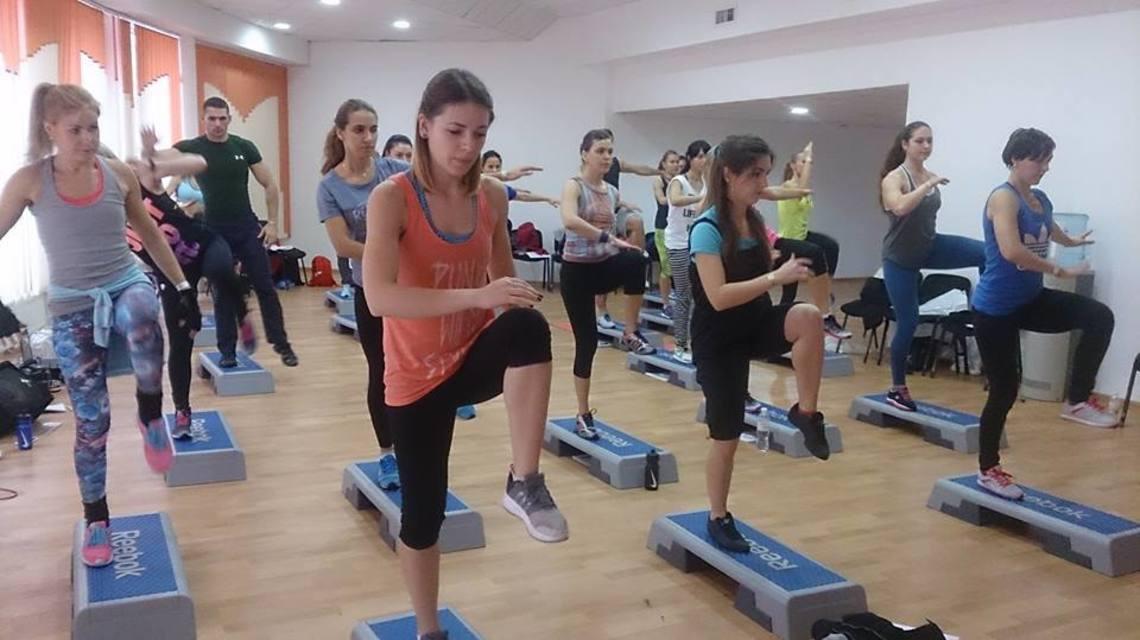 https://profit.fitnessacademy.com.ua/wp-content/uploads/2018/11/12181939_1010696318982455_1369027807_n.y2mfy.jpg